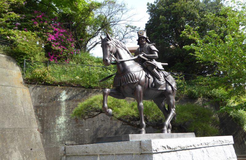 加藤嘉明銅像