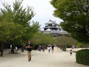 松山城天守広場写真